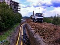 Der Bau des Gasnetzes und der Erschließungsleitungen ist in vollem Gang (27.07.2011)